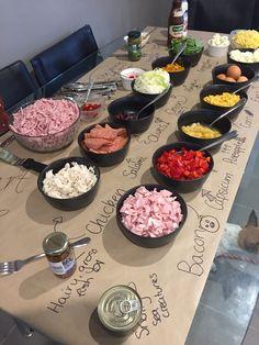 62 ideas for birthday dinner menu pasta bar Birthday Dinner Menu, Pizza Party Birthday, Dinner Party Menu, Birthday Dinners, Dinner Ideas, Birthday Bar, Pizza Bar Party, Party Food Bars, Kids Pizza Party