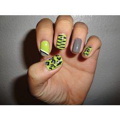 grey-green nails
