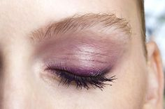 7 Easy Eyeliner Ideas Every Girl Should Try - Smudged purple liner
