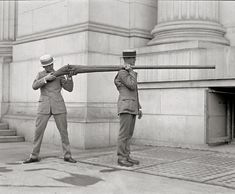 Punt Gun – A Huge Shotgun - You are viewing Photo titled Punt Gun – Punt Guns Were Used For Duck Hunting At The Turn Of The Last Century. A Single Shot Could Kill Up To 50 Waterfowl Resting O from the Category Amazing Pictures Tags: