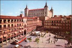 Plaza de Zocodover y Alcázar. toledo España