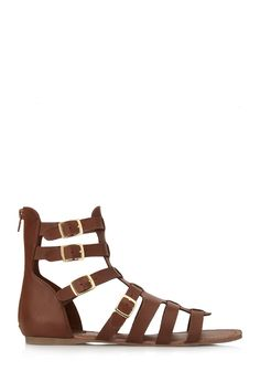 An absolute must-have! Give the heels a rest with these Forever21 Classic Gladiator Sandals. - Elia, Glamtrotting Magazine #GlamtrottingMag