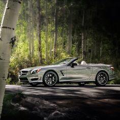 Mercedes-Benz SL 65 AMG in Vail' aspen groves Photo: @roycer924 . #mbcars #mercedes #sl65 #amg #mercedesbenz #aspen #Vail #Colorado #autumn #auto #automobile #automotive #roadster #luxury #performance #german