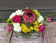 #atlantaflowerbar #atlantaflorist #atlantawedding #atlantaeventflorist #atlantaflowerdelivery Atlanta, Cake Flowers, Creative Business, Floral Wreath, Reception, Happy Birthday, Happy Brithday, Floral Crown, Urari La Multi Ani