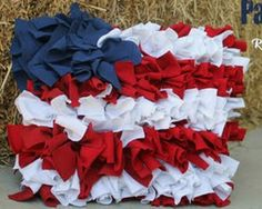 Decorations for 4th of July: Ruffled Patriotic Pillow