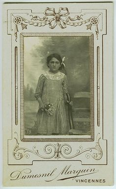 cabinet card,  girl with flowers