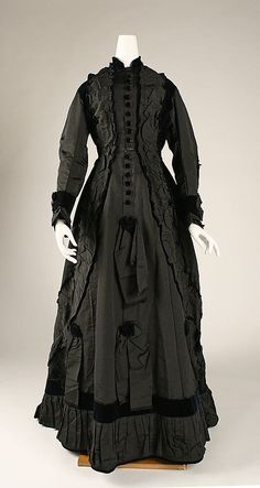 Dress, Afternoon  Date: ca. 1875 Culture: French (probably) Medium: silk