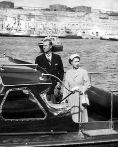 Elizabeth King, Princess Elizabeth, Princess Diana, Malta, St Mary Magdalene Church, Arundel Castle, Old Prince, Hm The Queen, Royal Marines