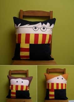 Harry Potter throw pillows no pattern, not a diy Harry Potter Pillow, Cumpleaños Harry Potter, Harry Potter Nursery, Hogwarts, Ron Y Hermione, Crafty Craft, Crafting, Mischief Managed, Art Day