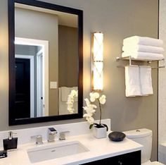 Small Bathroom Design Trends and Ideas for Modern Bathroom Remodeling Projects Cheap Bathrooms, Grey Bathrooms, Taupe Bathroom, Master Bathroom, Basement Bathroom, Bathroom Colors, Bathroom Wall, Bathroom Interior, Bathroom Renos
