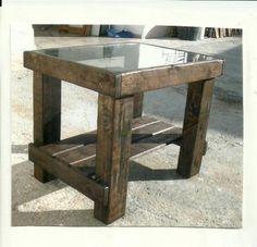 palets | palets mesa cristal madera y cristal lijado tallando la madera