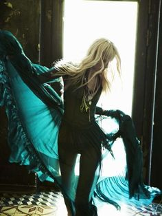100 Gorgeous Gucci Features - From Gothic Romance Shoots to Punk Rock Attire (CLUSTER)