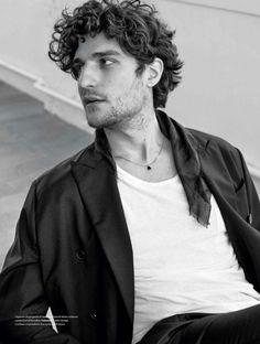 Louis Garrel para L'Officiel Hommes Italia Fall/winter 2016 por Stefano Galuzzi