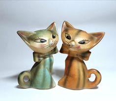 Antique Japan cat salt and pepper shakers rare