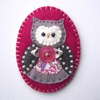 Felt Owl Ornament @Folksy: (Unable to find it on Folksy, but maybe it will be back next holiday season.)