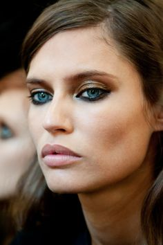 black+gold // smoldering broze eyes // soft lip // bianca balti .