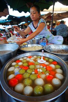 Street food in Vietnam   - Explore the World with Travel Nerd Nici, one Country…