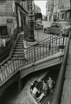 staircase-la-rue-Vilin-Paris, Willy Ronis