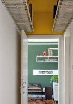 Tu Organizas.: Prateleiras próximas ao teto