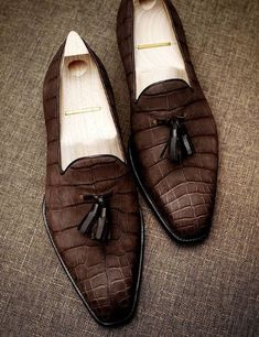 Alligator Tassel Loafer Formal Alligator Slip-On Shoes Suede Shoes, Loafer Shoes, Slip On Shoes, Men's Shoes, Shoe Boots, Shoes Men, Mode Masculine, King Shoes, Gentleman Shoes