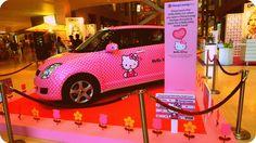 Hello Kitty CATMOBILE!