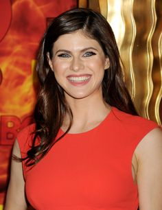 alexandra-daddario-hbo-s-emmy-2015-after-party-in-west-hollywood_6.jpg (1280×1660)
