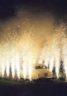 1920's wedding ideas - its not Gatsby without fireworks