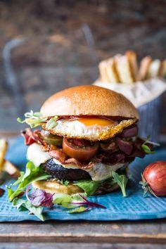 Cheddar tocino hamburguesa de hongos Portobello    halfbakedharvest.com…