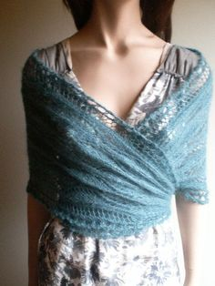 Symi Wrap Rowan Knitting & Crochet Magazine 53 - I love this! Rowan Knitting, Lace Knitting, Knit Crochet, Knit Wrap, Lace Wrap, Crochet Magazine, How To Purl Knit, Knitted Shawls, Looks Cool
