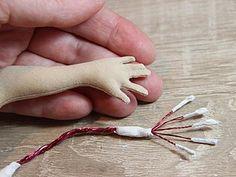 Как вывернуть маленькие пальчики кукле. Секреты работы с мелкими деталями - Ярмарка Мастеров - Кукольные нежности от Ариши - Ярмарка Мастеров http://www.livemaster.ru/topic/1668925-kak-vyvernut-malenkie-palchiki-kukle-sekrety-raboty-s-melkimi-detalyami