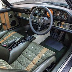 Singer #Porsche customized interior