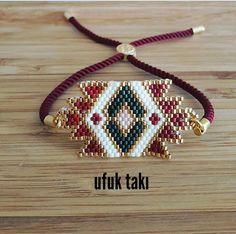 Beaded Jewelry Designs, Seed Bead Jewelry, Handmade Jewelry, Bracelets Diy, Bead Loom Bracelets, Bracelet Patterns, Beading Patterns, Miyuki Beads, Leather Jewelry Making