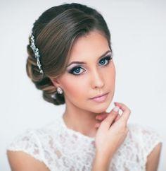 Augenbrauen mit braunen-Puder nachgezeichnet Braut-Stylings 2014
