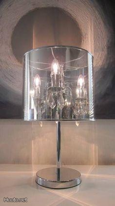 Stylish crystal table lamp / Tyylikäs kristallinen pöytälamppu
