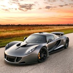 """Hennessey Venom GT  Follow our Friend @Kunal00 CEO of www.BullsOnWallStreet.com @Kunal00  Photo by @drewphillipsphoto"""