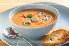 Krem Z Marchewki Z Pieczywem Polish Recipes, Polish Food, Thai Red Curry, Cooking Recipes, Fruit, Ethnic Recipes, Kitchen, Cucina, Cooking