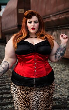 orchardcorset:  Plus-Sized Model Tess Munster comes to Orchard Corset!