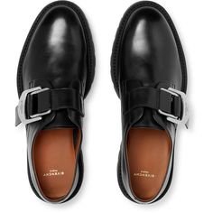 Finding The Right Shoes For Men - Some Tips And Advice. If you're wanting a new pair of mens shoes, then you're in need the proper advice for finding the right pair. Me Too Shoes, Men's Shoes, Shoe Boots, Dress Shoes, Shiny Shoes, Shoes Style, Shoes Men, Mens Boots Fashion, Sneakers Fashion