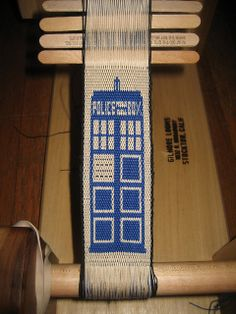 TARDIS 2.0 by nac!, via Flickr Yes! Thats great! The ultimate in tablet weaving!