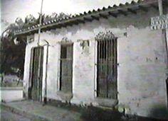 FILME ORIGINAL EN HI8 Y TRANSFERIDA A VHS QUE LUEGO SERA TRATADO EN DIGITAL. EL CASSETE SERÁ PRESERVADO AL VACÍO EN CONDICIONES CLIMÁTICAS CONTROLADAS HASTA QUE EL CINE MÓVIL HUAYRA DESAPAREZCA