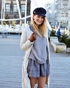 Jest coś magicznego w grudniowej atmosferze miasta. Poznań w tym roku jest nadzwyczaj piękny i uwielbiam jego tegoroczny wystrój i atrakcje. Nowy look na blogu - link w bio  #lookbook #winter #december #winterlook #poznan #ootd #street #streetfashion #xmas #christmas #me #fashion #style #fashionmagazine #winterfashion #polishwoman #polskadziewczyna #outfit #lookoftheday #kaszkiet #follow #smile #vsco #blond #makeup #blog #blogger #poland #city