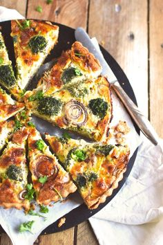 Brokoli Zwiebel Tarte mit Parmesan - Broccoli Onion Tart with Parmesan Cheese (6)