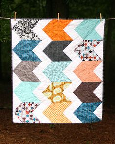 Modern Zig Zag Baby Quilt - looks like this would be fun to make..