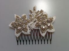 Modelo Melia con hojas (1 disponible) #peine #pedreria #vintage #lamoradadenoa #perlas #blanco #peine #novia #boda