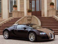 El coche más caro del mundo : Bugatti Veyron 16.4 Supersport 2.600.000 dólares.