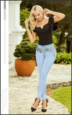Sexy Outfits, Cool Outfits, Fashion Outfits, Sexy Jeans, Skinny Jeans, Girl Fashion, Womens Fashion, Denim Outfit, Girls Jeans