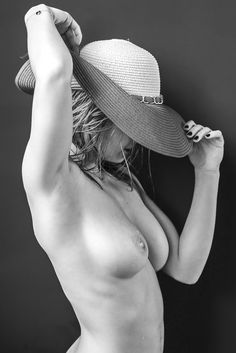 """Hat in b/w - Modelsharing Nude and Glamour  See other photos at: <a href=""""https://www.facebook.com/fotostefanocostanzo/"""">Facebook Page</a>"""