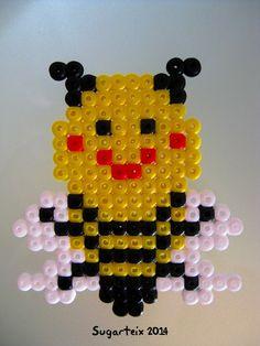Posavasos de abejita en hama midi. Si te gusta puedes adquirirlo en nuestra tienda on-line: http://www.mistertrufa.net/sugarshop/ Ver más en: http://mistertrufa.net/librecreacion/groups/hama-beads/