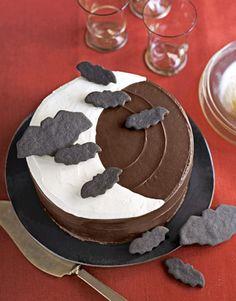 #Halloween bat cake.     #desserts