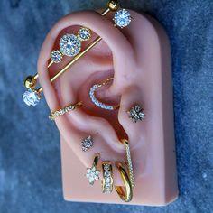 Mini Bead Bar Stud earrings in Sterling Silver, short silver bar stud, sterling bar post earrings, small silver earring, minimalist jewelry - Fine Jewelry Ideas - Double Industrial bar piercing - Helix Earrings, Bar Stud Earrings, Circle Earrings, Crystal Earrings, Ear Piercings Chart, Ear Peircings, Cute Ear Piercings, Minimalist Earrings, Minimalist Jewelry